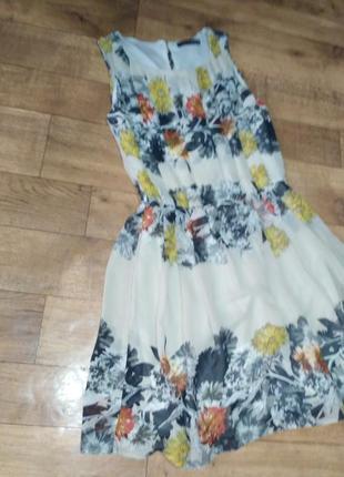 Шифонове платье с цветочным принтом