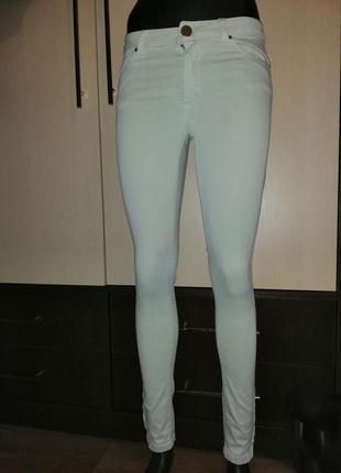 Стрейчивые джинсы мятные с замочками