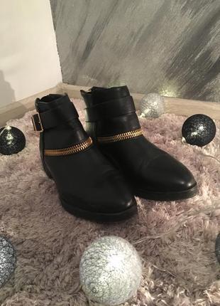 Сапоги на низком ходу,sinsay,36 размер,чобітки чорні 36 розмір,нові