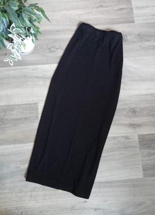 Трикотажная черная юбка миди