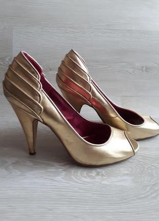 Золотые открытые туфли h&m / летние туфли