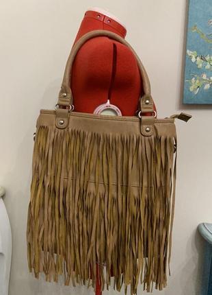 Стильная сумка с бахромой от warehouse