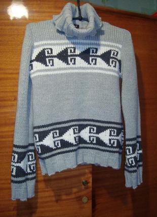 Теплющий  итальянский свитер  с орнаментом