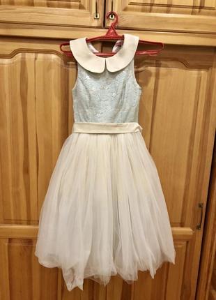 Шикарное платье с фатином chi chi london