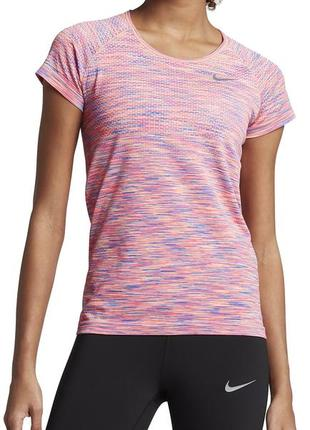 Фантастическая дорогая модель тренеровочной фитнес футболки nike w nk df knit top ss