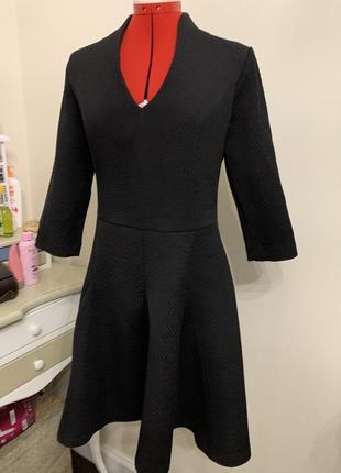 Черное классическое платье love republic