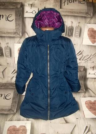 Удлиненная куртка с капюшоном для девочки рр. 122/128