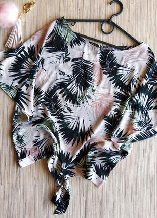 Милая шифоновая блуза с красивой спинкой