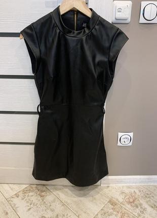 Кожаное суппорт платье zara