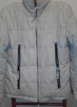 Продаю  фирменную курточку пуховик очень теплая.
