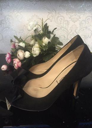 Красиві та якісні туфлі від бренду mary claud. італія.  шкіра