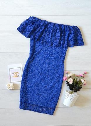 Дуже красиве кружевне плаття, відкриті плечі quiz.