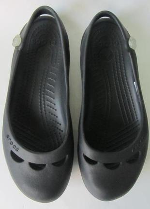Босоніжки-аквашузи crocs.