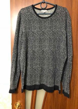 Стильный свитер от cos в орнамент