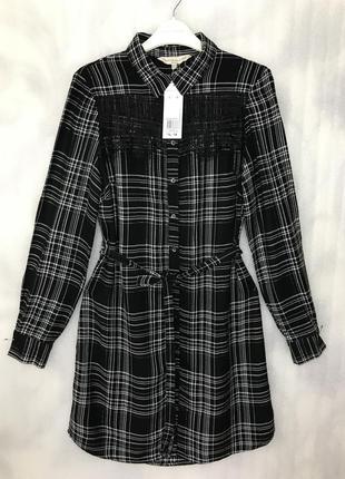 Платье-рубашка в клетку с кружевными вставками