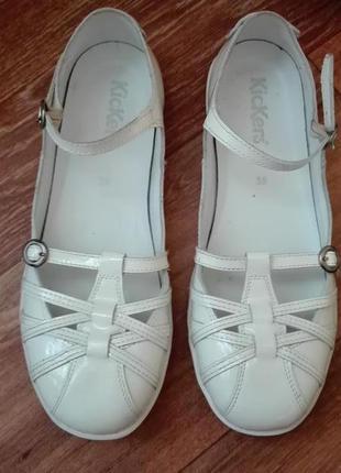 Лаковые туфли kickers 37р. 24,5 см.