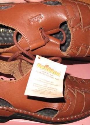 Коричневі сандалі шкіра reflexan р38 нові бірки в упакуванні