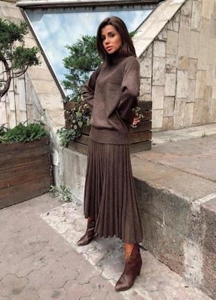 Вязаный костюм / юбка плиссе / объемный свитер