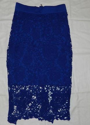 Ажурная юбка карандаш синего цвета