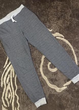Модные спортивные штаны на 12-13 лет