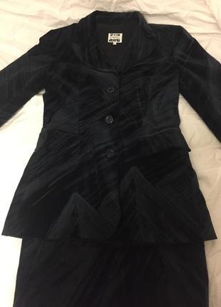 Костюм ( пиджак юбка)