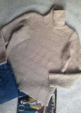 Теплый свитер с горлом и много брендовых вещей очень дешево! заходите!