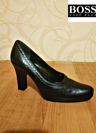 Кожаные туфли на устойчивом каблуке от hugo boss, оригинал р. 37, италия