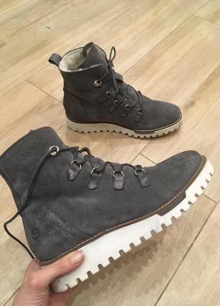 Зимові черевички з натуральної замші від tamaris!!