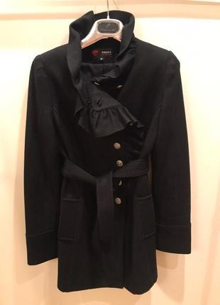 Пальто шерсть с красивым воротником с карманами есть поясок