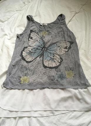 Майка серая рисунок принт бабочка голубая чёрная белая шифон