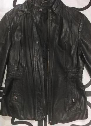 Кожаная женская куртка размер s-m