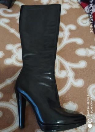 Лаковые ботинки сапоги ботильоны черные высокие на каблуку новые устойчивые