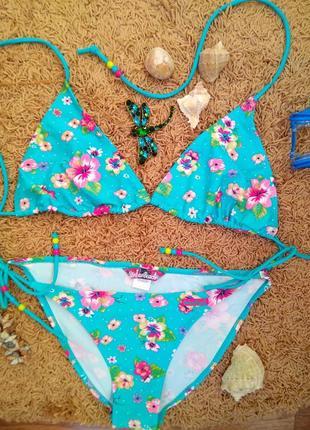 Очаровательный голубой купальник на завязочках с бусинками принт цветы