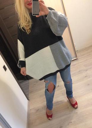 Красивый комбинированный свитер батал