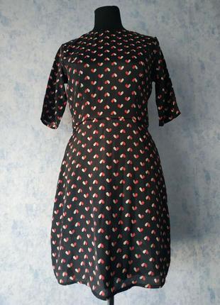 Повседневное платье в сердечки размер uk 10