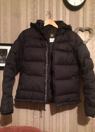 Очень теплая зимняя куртка пуховик jack wolfskin оригинал m s