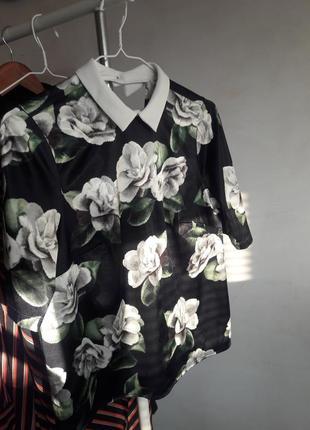 Красивейшая блуза в цветы с воротником