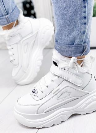 Зимние белые кроссовки на платформе