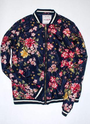 Куртка-бомбер в цветы