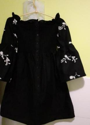 Платье с вышивкой и открытыми плечами от primark