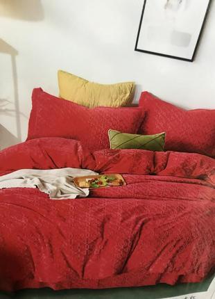 Плюшевое постельное белье евро размера красного цвета