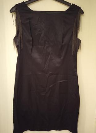 Мини платье-футляр с бахромой на плечах