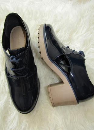 Лаковые кожанные туфли clarks купить цена
