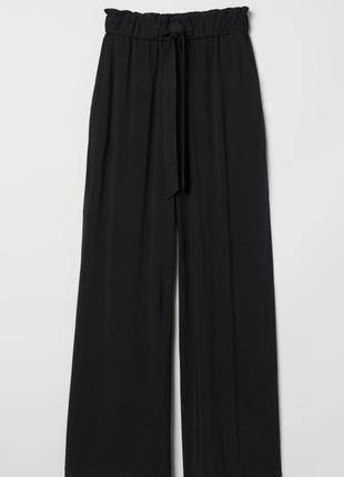 Широкие и прямые брюки из мягкой вискозной ткани с высокой талией на резинке h&m