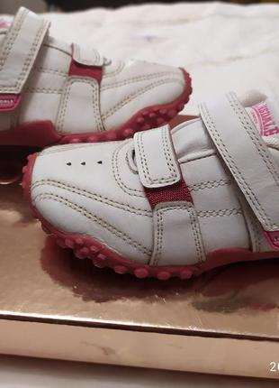 Классные кроссовки lonsdale