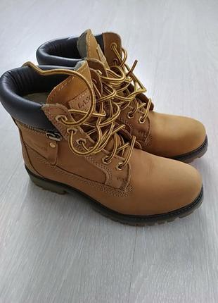Ботинки lasocki,36размер.