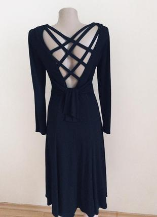 Красивое элегантное платье  миди оригинал escada