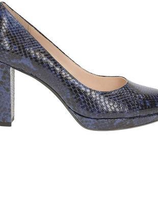 Кожаные элегантные туфли clarks р 39 сост новых
