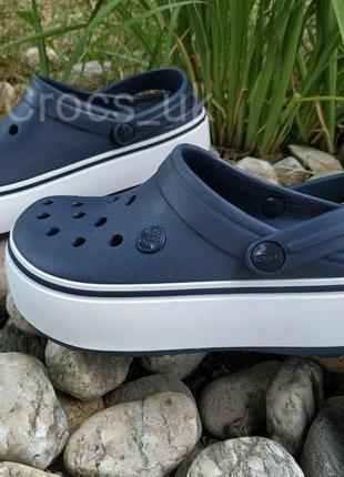 Темно синие crocs платформа