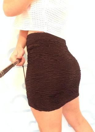 Черная мини юбка